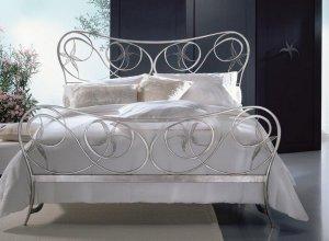 К-717 Кованая кровать Цена от<del> 55000</del> <strong>54000</strong> руб. Точный расчет по запросу и Вашим размерам