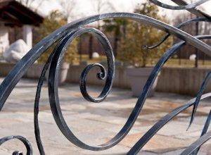 Элемент ковки на воротах