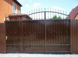 Ворота глухие с аркой, Цена от 13500 руб. м2. Точный расчет по Вашим размерам и запросу