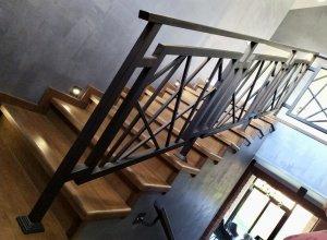 Ограждения лестницы из профиля Паутинка2