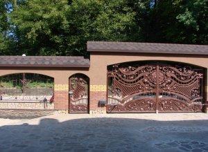 Кованые ворота и калитка, Цена от 27000 руб. м2. Точный расчет по Вашим размерам и запросу