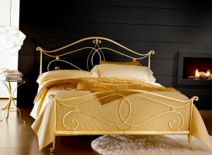 К-705 Кровать кованая Цена от<del> 45000</del> <strong>44000</strong> руб. Точный расчет по запросу и Вашим размерам