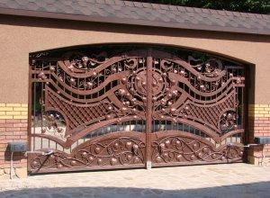 Кованые распашные ворота, Цена от 27000 руб. м2. Точный расчет по Вашим размерам и запросу