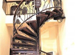 Винтовая лестница Л-114 Цена по запросу и Вашим размерам