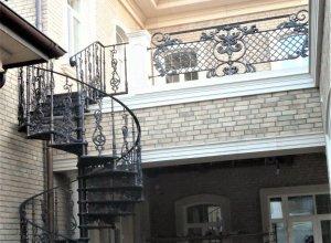 Винтовая лестница, литье Л-116 Цена по запросу и Вашим размерам
