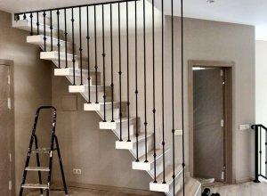 Стильное решение ограждения лестницы-Струны