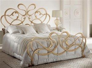 К-722 Золотая кованая кровать Цена от 70000 руб. Точный расчет по запросу и Вашим размерам