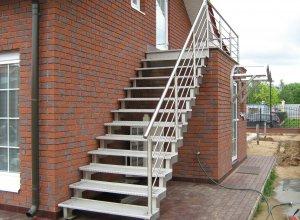 Лестница уличная на косоуре, нержавейка НР-2 Цена по запросу и Вашим размерам